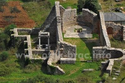 Lovrećina, uvala i arheološko nalazište