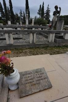 Zagrobna ploča na stivanskom groblju